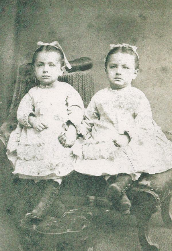 Blanca and Clementina Albéniz