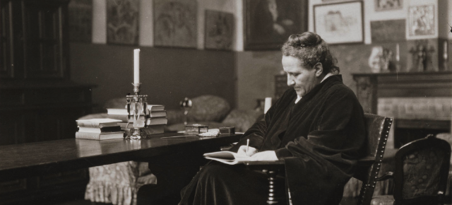 Gertrude Stein as a Book Reviewer